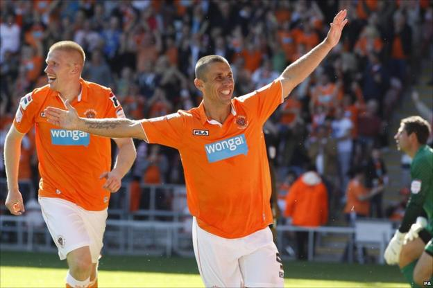 Kevin Phillips (centre) scored two for Blackpool