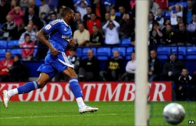 Emile Sinclair puts Macclesfield in front at Bolton