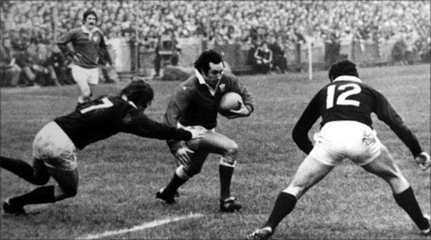 Gareth Edwards in action for Wales against Scotland
