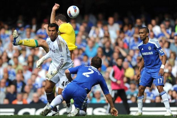 Grant Holt equalises for Norwich
