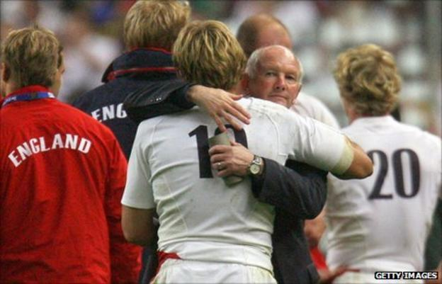 England coach Brian Ashton embraces Jonny Wilkinson after the defeat to South Africa in the 2007 Rugby World Cp final