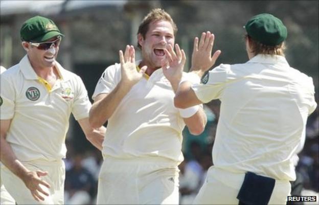 Ryan Harris and his Australia team-mates