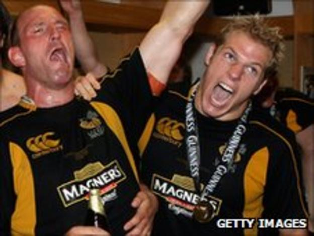 Lawrence Dallaglio and James Haskell celebrate winning the Guinness Premiership final in 2008
