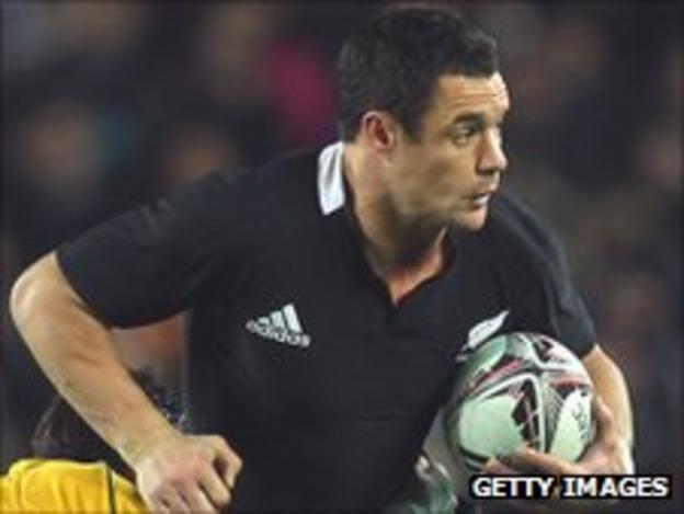 Dan Carter takes on the Australia defence in the recent Tri-Nations decider