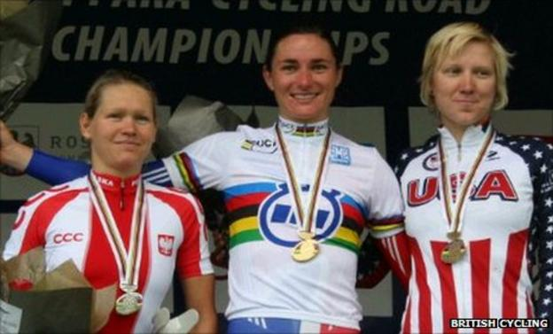 Sarah Storey (middle) on the podium in Denmark