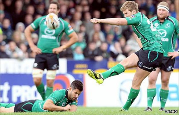 Niall O'Connor lands Connacht's match-winning penalty against the Scarlets