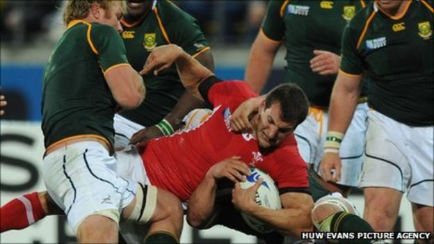 Sam Warburton in possession against South Africa