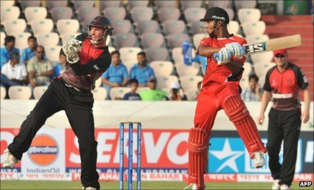 Lendl Simmons cuts during Trinidad & Tobago's win over Leicestershire