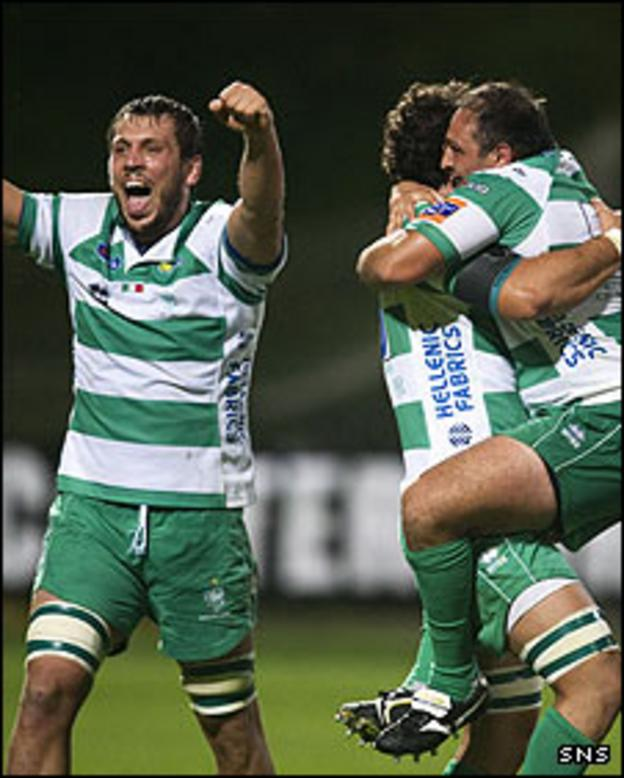 Treviso celebrate their first ever away win in the RaboDirect PRO12