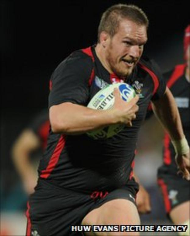 Gethin Jenkins charges towards the line for Wales