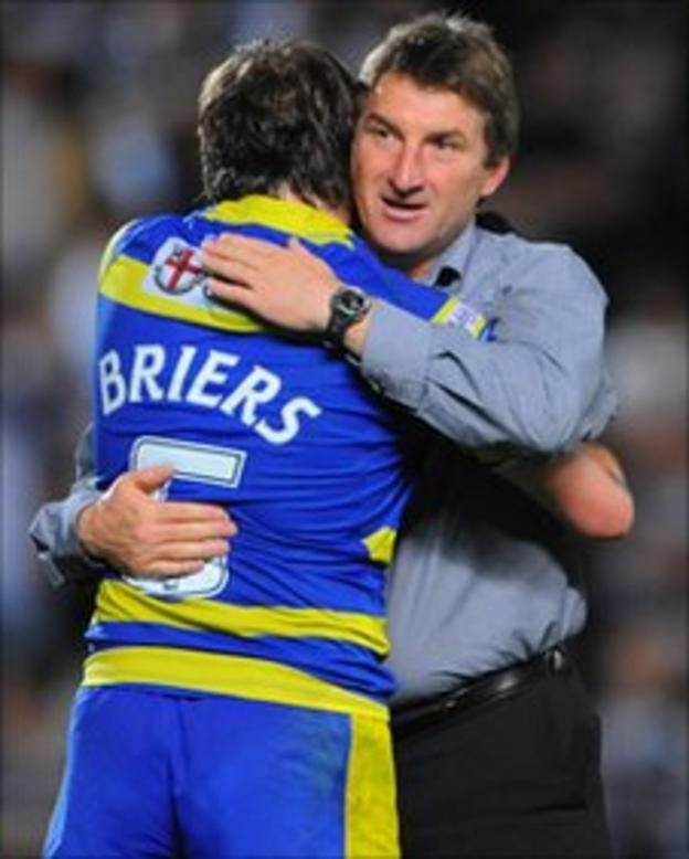 Tony Smith celebrates with Lee Briers