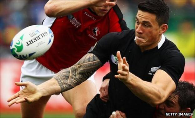 Sonny Bill Williams sends out a pass against Canada