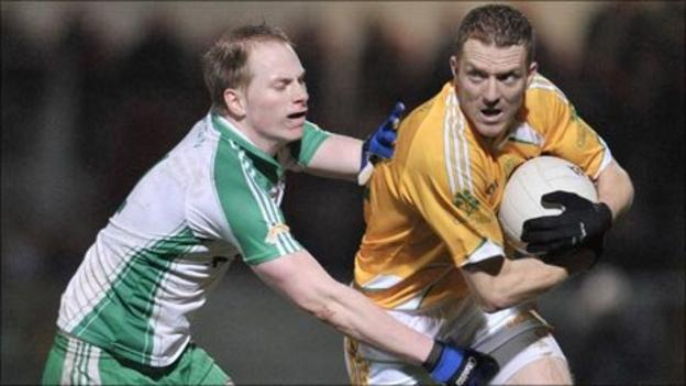 John Fegan and David McEntee in action at Pairc Esler