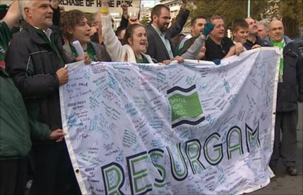 Argyle Fans celebrate Plymouth City Council's decision to buy Home Park