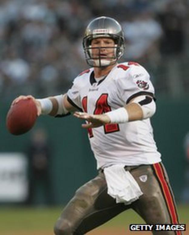 Brad Johnson playing for Tampa Bay Buccaneers
