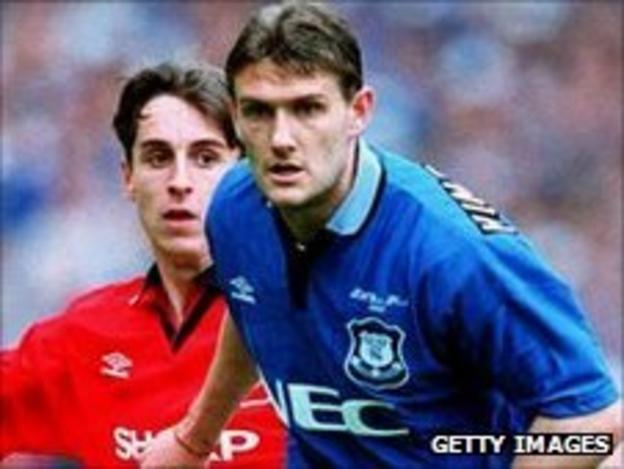 Andy Hinchcliffe (right) and Gary Neville