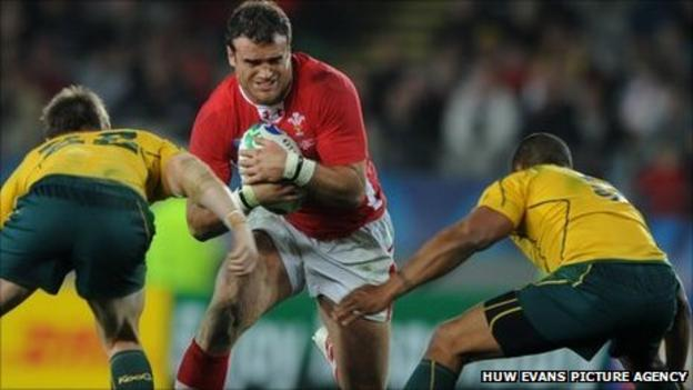 Jamie Roberts takes on Australia