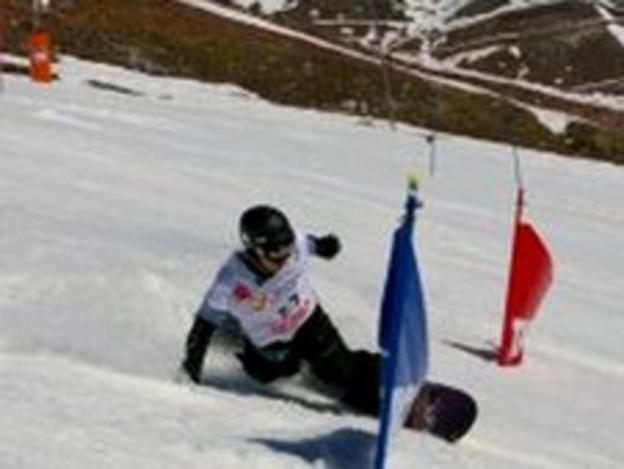 Snowboarder Tom Farrow