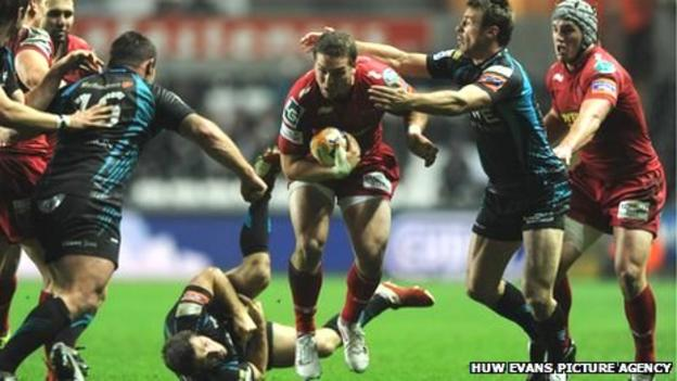 George North breaks through against the Ospreys