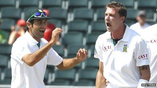 Dale Steyn (right) celebrates with Imran Tahir after bowling out Ricky Ponting