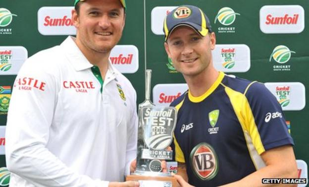 Captains Graeme Smith and Michael Clarke after the Test series is tied