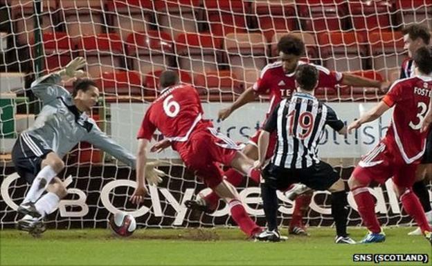 Liam Buchanan scores Dunfermline's third