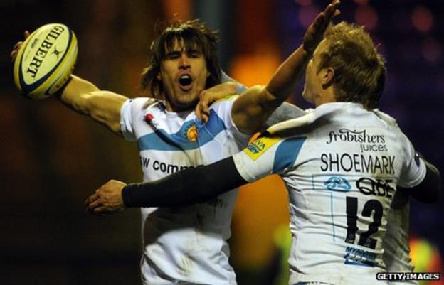 Ignacio Mieres celebrates his late try at Sale
