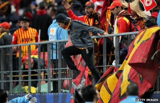 Esperance fans react to their defeat by Al Sadd