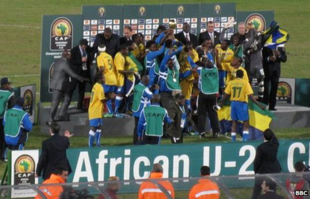 Gabon's U23 players celebrate winning the crown