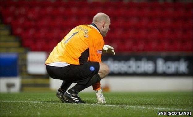 St Johnstone goalkeeper Peter Enckelman