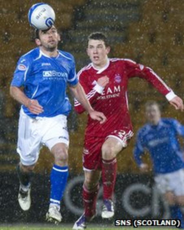Aberdeen were 2-1 winners at St Johnstone on a wild Tuesday night