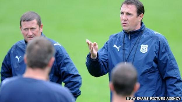 Cardiff City manager Malky Mackay (right)