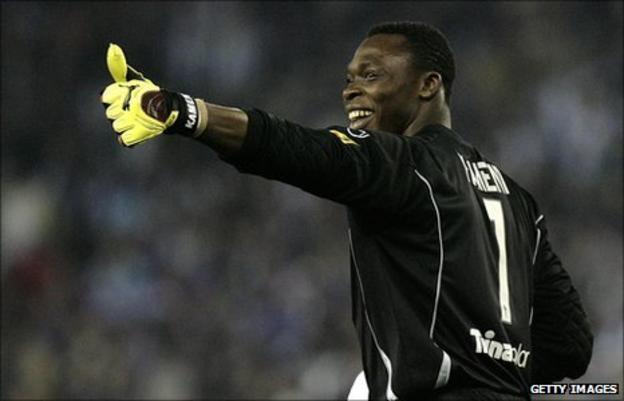 Cameroonian goalkeeper Carlos Kameni