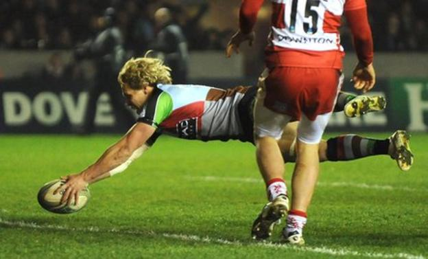 Matt Hopper dives over to score for Quins