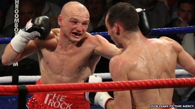 Gavin Rees (left) in action against Derry Mathews