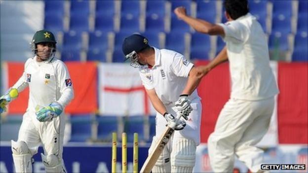 Jonathan Trott is bowled by Abdur Rehman