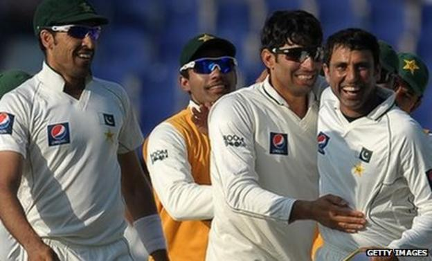 Pakistan celebrate victory in the second Test