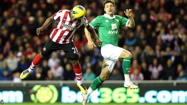 Stephane Sessegnon heads Sunderland's second goal