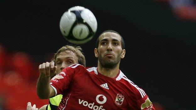 Mohamed Aboutrika (R)