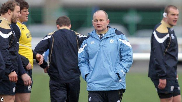 Scotland head coach Andy Robinson with his players