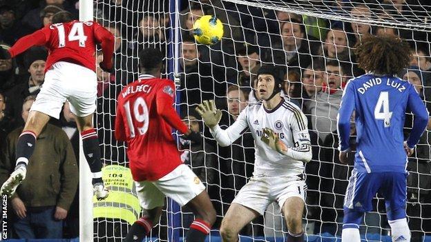 Javier Hernandez scores the equaliser