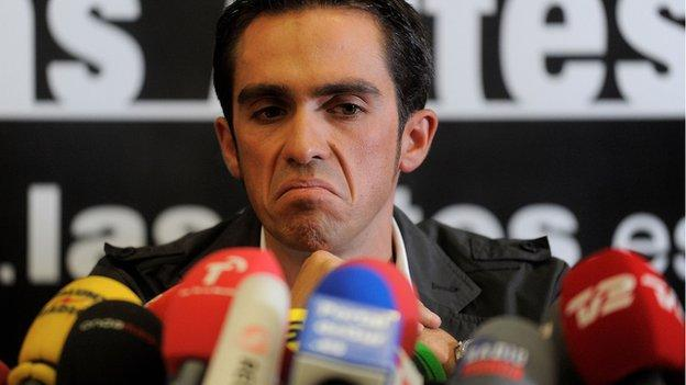Alberto_Contador at his press conference in Spain