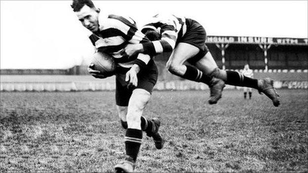 Rugby split into Union and League in 1885