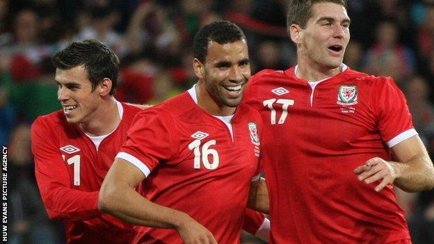 Gareth Bale, Hal Robson-Kanu and Sam Vokes celebrate victory over Norway