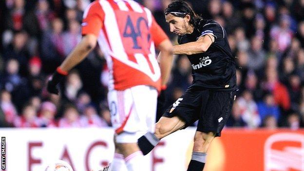 Mehmet Topal scores for Valencia