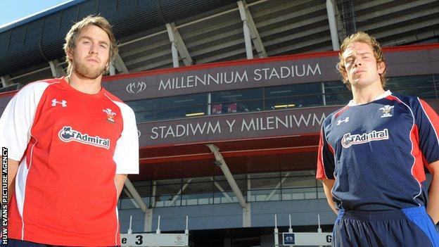 Ryan Jones (left) has lost his place in the starting line-up because of the return of Alun Wyn Jones