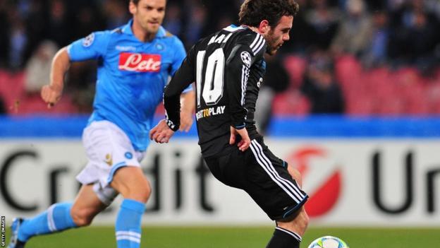 Chelsea's Spanish midfielder Juan Mata scores against Napoli