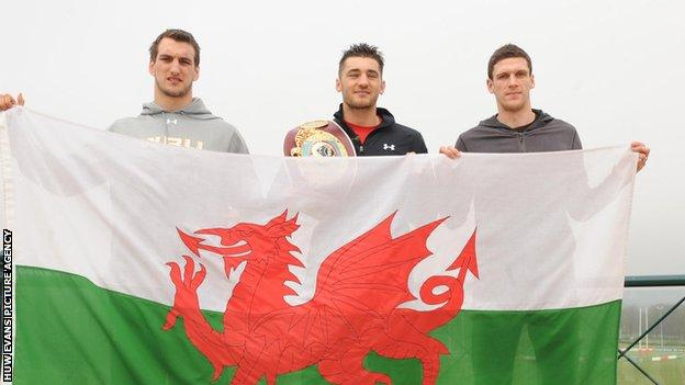 Cleverly (centre) with Wales rugby captain Sam Warburton (left) and Cardiff City skipper Mark Hudson ahead of a big weekend for Welsh sport.