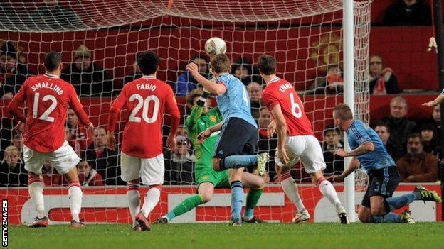 Toby Alderweireld heads Ajax's winner at Old Trafford