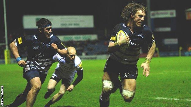 Andy Powell scores the bonus point try in the win over Wasps